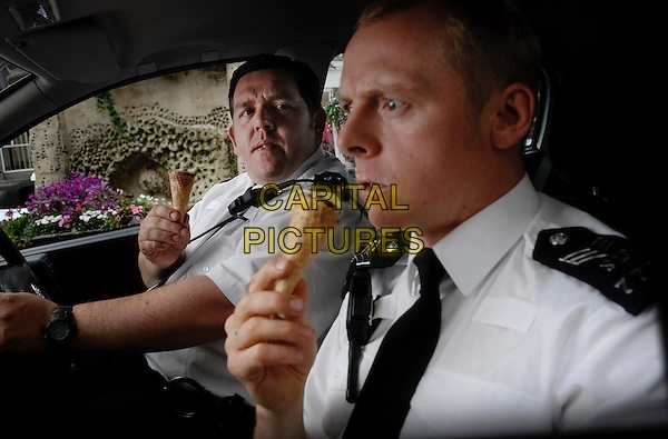 NICK FROST & SIMON PEGG.in Hot Fuzz .**Editorial Use Only**.CAP/FB.Supplied by Capital Pictures