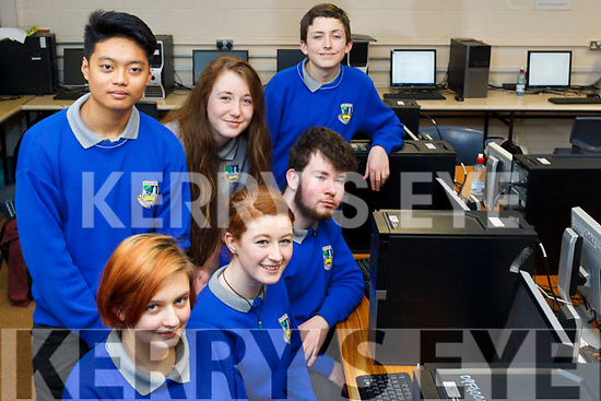 In class at the Castleisland Community College Science &amp; Computing Fair. Students in the Computer class, front row l-r Lucy Setterfield, Denise Crowley and Simon Dunlevy. <br /> Back row l-r  Jonarsky Arino, Janine O&rsquo;Sullivan, Jack Mfewtrell.