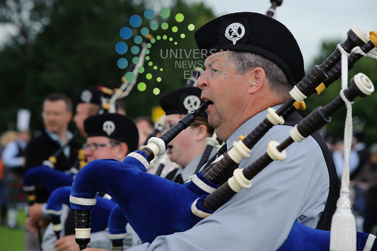 Pipers from 239 bands from 12 countries took part in the day long world pipe band championships. The tournament was held at Glasgow Green...Glasgow Green, Glasgow , Scotland .  Picture: Euan Anderson/Universal News And Sport (Scotland) 13th August 2010.