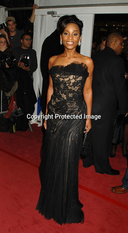 "Anika Noni Rose..arriving at The World Premier of ""Dreamgirls"" on ..December 4, 2006 at The Ziegfeld Theatre in New York, ..Roibn Platzer, Twin Images"