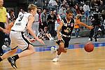 Mannheim 17.01.2009, denn Ball vor Augen NBBL Team Nord Niels Giffey und NBBL Team S&uuml;d Michael Baumer im Spiel NBBL S&uuml;d - NBBL Nord beim BBL Allstar Day in der SAP Arena<br /> <br /> Foto &copy; Rhein-Neckar-Picture *** Foto ist honorarpflichtig! *** Auf Anfrage in h&ouml;herer Qualit&auml;t/Aufl&ouml;sung. Belegexemplar erbeten.