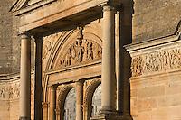 Europe/France/Midi-Pyrénées/46/Lot/Assier: l'Eglise , son  portail et sa frise de 148 mde long qui célèbre les exploits de Jacques Galiot de Genouillac
