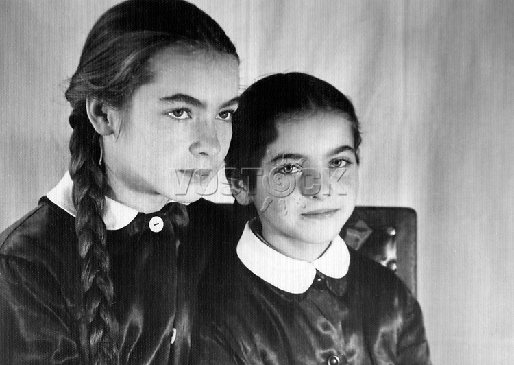 Polish film star Barbara Brylska with her younger sister Jadwiga. / Барбара Брыльска с младшей сестрой Ядвигой. <br /> Личный архив Б.Брыльской