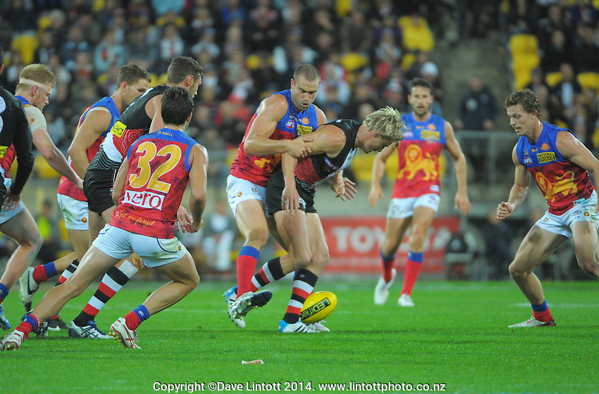St Kilda's Clint Jones tries to get to the ball during the ANZAC Day AFL match between St Kilda Saints and Brisbane Lions at Westpac Stadium, Wellington, New Zealand on Friday, 25 April 2014. Photo: Dave Lintott / lintottphoto.co.nz