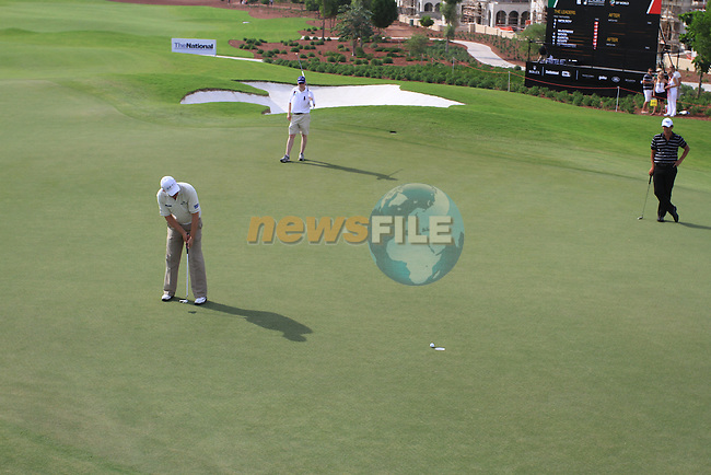 Padaig Harrington putts on the 9th green during  Day 2 at the Dubai World Championship Golf in Jumeirah, Earth Course, Golf Estates, Dubai  UAE, 20th November 2009 (Photo by Eoin Clarke/GOLFFILE)