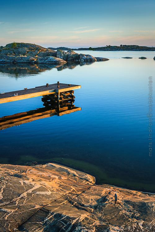 Brygga på Ut-Fredel i Stockholms ytterskärgård Roslagen
