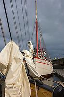 France, Bretagne, (29), Finistère, Brest:  Port de Brest  , Vieux gréement  //  France, Brittany, Finistère, Brest: port of Brest, Old sailing ship