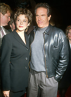 Annette Bening, Warren Beatty, 1994, Photo By Michael Ferguson/PHOTOlink