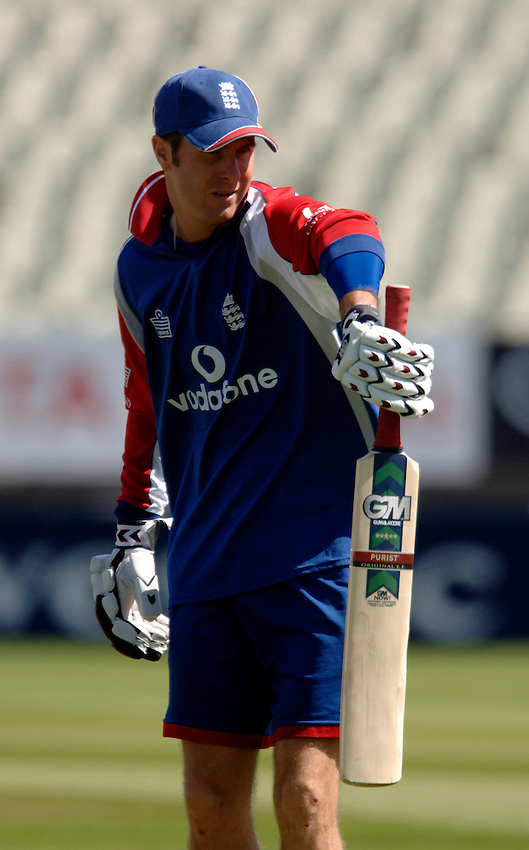 Photo: Glyn Thomas..England training. nPower Test Match Series, The Ashes 2nd Test..03/08/2005..England's Michael Vaughan.