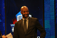 Jerry Rice<br /> NFL Hall of Fame PK *** Local Caption *** Foto ist honorarpflichtig! zzgl. gesetzl. MwSt. Auf Anfrage in hoeherer Qualitaet/Aufloesung. Belegexemplar an: Marc Schueler, Alte Weinstrasse 1, 61352 Bad Homburg, Tel. +49 (0) 151 11 65 49 88, www.gameday-mediaservices.de. Email: marc.schueler@gameday-mediaservices.de, Bankverbindung: Volksbank Bergstrasse, Kto.: 52137306, BLZ: 50890000