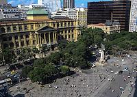 RIO DE JANEIRO, RJ, 31 JULHO 2012 - VISTA AEREA DO CENTRO DO RIO- Vista aerea da Cinelandia e Biblioteca Nacional,nesta terca-feira, dia 31, no centro do rio.(FOTO:MARCELO FONSECA / BRAZIL PHOTO PRESS).