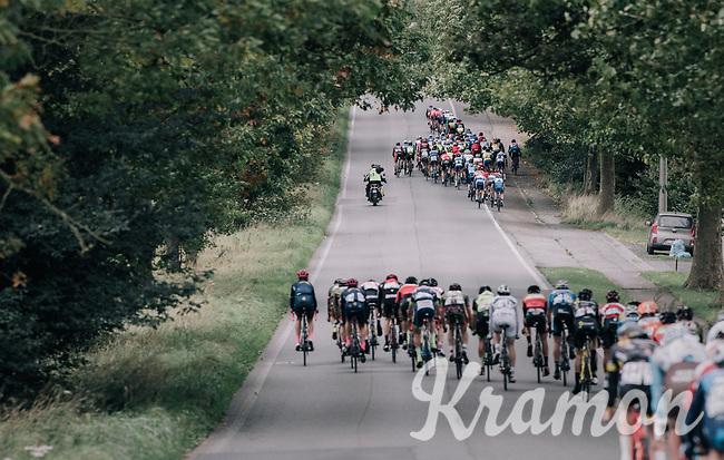 strong winds tears the peloton into echelons<br /> <br /> 77th Euro Metropole Tour 2017<br /> La Louvière > Tournai (BEL): 188.6 km