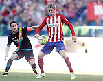 Atletico de Madrid's Fernando Torres (r) and Rayo Vallecano's Tito Roman during La Liga match. April 30,2016. (ALTERPHOTOS/Acero)