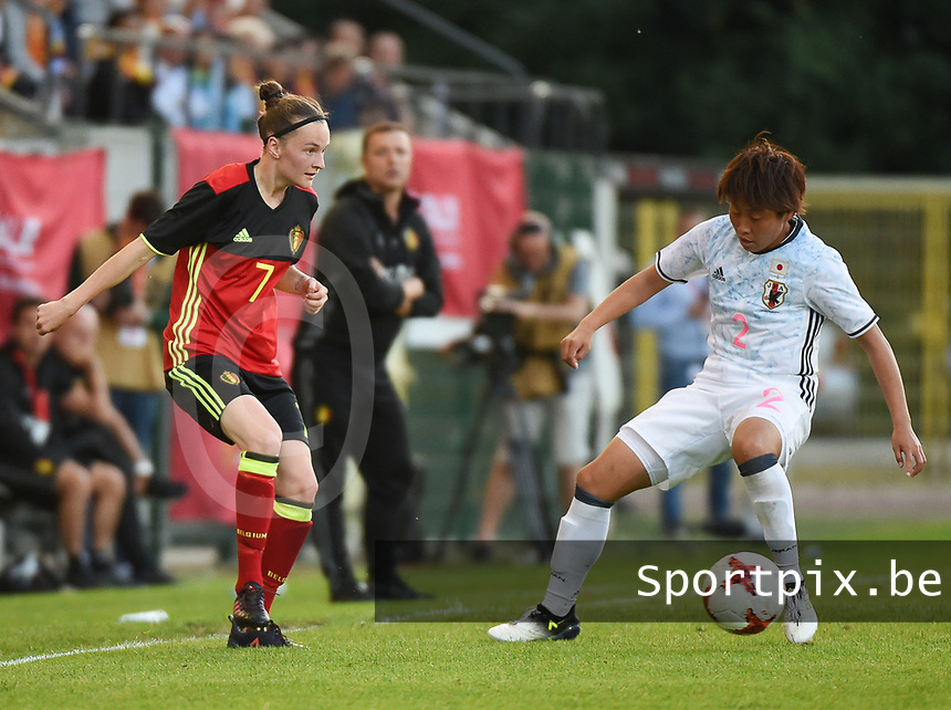 20170613 - LEUVEN ,  BELGIUM : Belgian Elke Van Gorp (L) and Japanese Hikari Takagi (R) pictured during the female soccer game between the Belgian Red Flames and Japan , a friendly game before the European Championship in The Netherlands 2017  , Tuesday 13 th Juin 2017 at Stadion Den Dreef  in Leuven , Belgium. PHOTO SPORTPIX.BE | DIRK VUYLSTEKE