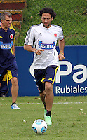 BOGOTA - COLOMBIA--24-05 -2013 : Mario Alberto Yepes durante el  entrenamiento de la selección Colombia de fútbol de mayores en el estadio El Campincito antes de su encuentro con la selección de Argentina en Buenos Aires . (Foto: VizzorImage / . Mario Alberto Yepes . Training Colombia soccer team over at El Campincito before his encounter with the selection of Argentina in Buenos Aires....VizzorImage / Felipe Caicedo / Staff