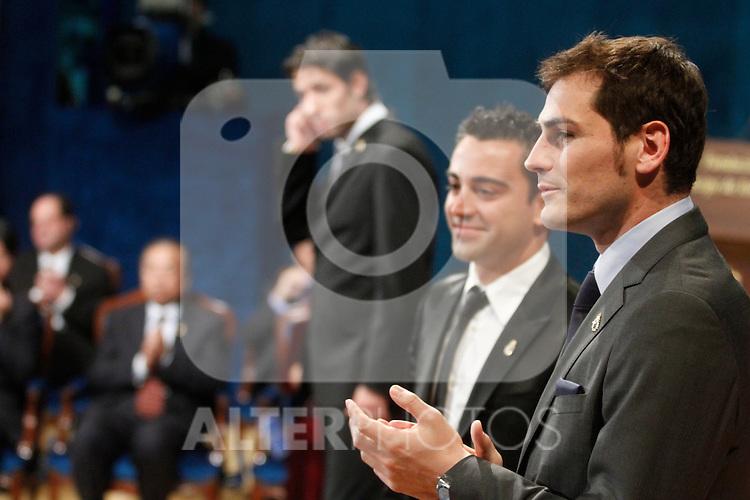 OVIEDO, Spain (22/10/2010).-  Prince of Asturias Awards 2010 Ceremony. Xavi Hernandez and Iker Casillas (sports award)..Photo: POOL / Robert Smith  / ALFAQUI