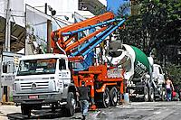 Construção de prédio em Perdizes. São Paulo. 2007. Foto de Juca Martins.