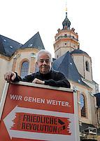 9.Oktober 1989 in Leipzig - Ex-Nikolaikirchen Pfarrer Christian Führer . Porträt . Foto: Norman Rembarz..Norman Rembarz ,Holbeinstr. 14, Autorennummer 41043728,  04229 Leipzig, Tel.: 01794887569, Hypovereinsbank: BLZ: 86020086, KN: 357889472, St.Nr.: 231/261/06432 - Jegliche kommerzielle Nutzung ist honorar- und mehrwertsteuerpflichtig! Persönlichkeitsrechte sind zu wahren. Es wird keine Haftung übernommen bei Verletzung von Rechten Dritter. Autoren-Nennung gem. §13 UrhGes. wird verlangt. Weitergabe an Dritte nur nach  vorheriger Absprache..