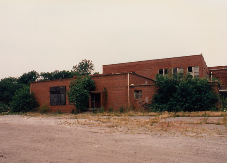 1991 June ..Conservation.Central Brambleton..J. B. Goode School building...NEG#.NRHA#.06/91  CONSERV  :Brambl  2:2  :8 :.
