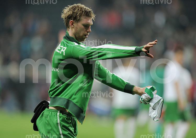 Fussball 1. Bundesliga :  Saison   2010/2011   29. Spieltag  08.04.2011 Eintracht Frankfurt - SV Werder Bremen Per Mertesacker (SV Werder Bremen)