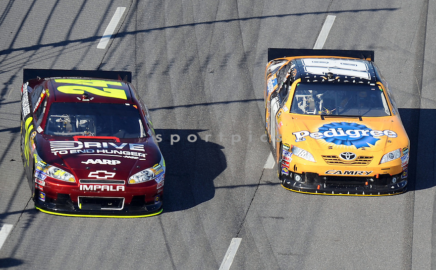 JEFF GORDON, in action during the NASCAR Goody's  Fast Relief 500  at the Martinsville Speedway on Sunday, April 3, 2011.
