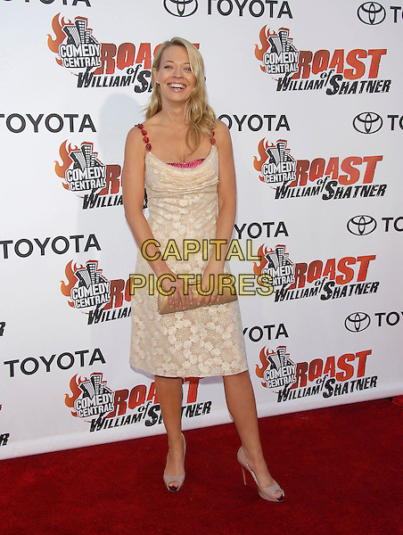 JERI RYAN.attends The Comedy Central's Roast of William Shatner held at CBS STudios in Studio City, California, USA, .August 13, 2006.full length cream beige gold dress red straps clutch bag Christian Louboutin peeptoe shoes jerri jerry.Ref: DVS.www.capitalpictures.com.sales@capitalpictures.com.©Debbie VanStory/Capital Pictures