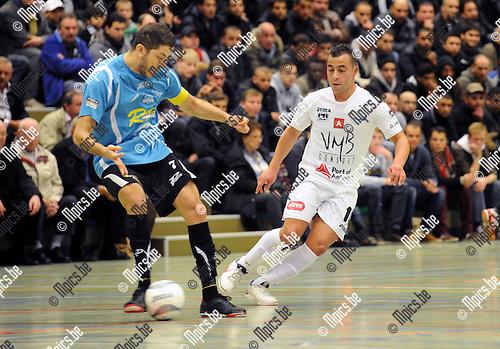 2012-12-01 / Futsal / seizoen 2012-2013 / Antwerpen-Chatelineau / Chaibai met Amar Zouggaghi (r, Antwerpen)..Foto: Mpics.be