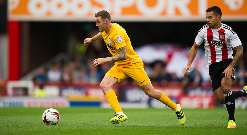 Preston North End's Aidan McGeady in action during todays match  <br /> <br /> Photographer Ashley Western/CameraSport<br /> <br /> The EFL Sky Bet Championship - Brentford v Preston North End - Saturday 17 September 2016 - Griffin Park - London<br /> <br /> World Copyright &copy; 2016 CameraSport. All rights reserved. 43 Linden Ave. Countesthorpe. Leicester. England. LE8 5PG - Tel: +44 (0) 116 277 4147 - admin@camerasport.com - www.camerasport.com