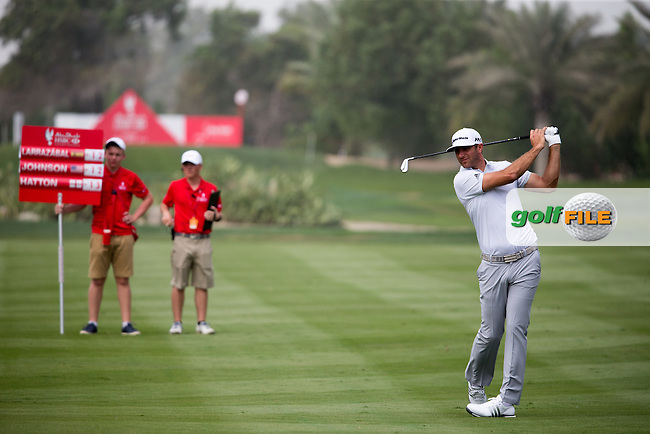 Dustin Johnson (USA) on the 2nd during the final round of the Abu Dhabi HSBC Championship, Abu Dhabi Golf Club, Abu Dhabi,  United Arab Emirates. 22/01/2017<br /> Picture: Golffile | Fran Caffrey<br /> <br /> <br /> All photo usage must carry mandatory copyright credit (&copy; Golffile | Fran Caffrey)