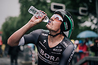 Marcus Burghardt (DEU/BORA-hansgrohe) hydrating after finishing his TT<br /> <br /> 104th Tour de France 2017<br /> Stage 1 (ITT) - D&uuml;sseldorf &rsaquo; D&uuml;sseldorf (14km)