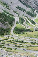 ROAD IN STILFSERJOCH, PASSO DELLO STELVIO, ITALIA, Bormio