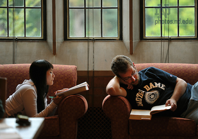 Law Students study in the Biolchini Hall reading room, August 2010...Photo by Matt Cashore/University of Notre Dame