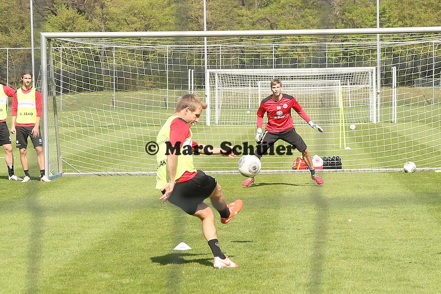 Stefan Aigner gegen Felix Wiewald - Eintracht Frankfurt Training