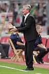 03.10.2010,  BayArena, Leverkusen, GER, 1. FBL, Bayer Leverkusen vs Werder Bremen, 7. Spieltag, im Bild: Jupp Heynckes (Trainer Leverkusen)  Foto © nph / Mueller
