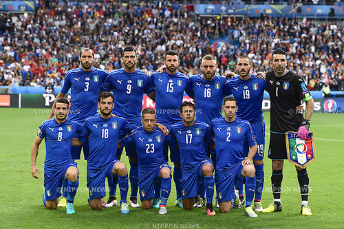 Giorgio Chiellini (Italy) Graziano Pelle (Italy) Andrea Barzagli (Italy) Daniele De Rossi (Italy) Leonardo Bonucci (Italy) Gianluigi Buffon (Italy) Alessandro Florenzi (Italy) Marco Parolo (Italy) Emanuele Giaccherini (Italy) Eder Citadin Martins (Italy) Mattia De Sciglio (Italy) Team (Italy) ; <br /> June 27, 2016 - Football : Uefa Euro France 2016, Round of 16; Italy 2-0 Spain at Stade de France; Saint-Denis, France.; Team (Italy) ;(Photo by aicfoto/AFLO)