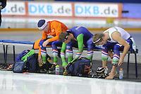 SPEEDSKATING: CALGARY: 14-11-2015, Olympic Oval, ISU World Cup, Team pursuit, Team NED, Arjan Stroetinga, Jan Blokhuijsen, Douwe de Vries, ©foto Martin de Jong