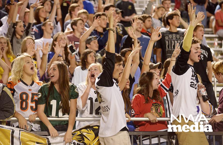 NWA Democrat-Gazette/BEN GOFF @NWABENGOFF<br /> Bentonville vs Tallahassee (Fla.) Rickards on Friday Sept. 18, 2015 in Bentonville's Tiger Stadium.