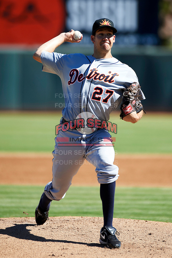 Mesa Solar Sox pitcher Luke Putkonen #27, of the Detroit Tigers organization, during an Arizona Fall League game against the Phoenix Desert Dogs at Phoenix Municipal Stadium on October 19, 2012 in Phoenix, Arizona.  Phoenix defeated Mesa 10-6.  (Mike Janes/Four Seam Images)