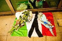 SAO PAULO, SP, 14.11.2015 - TERRORISMO-FRANÇA - Homenagem na avenida Paulista as vitimas dos atentado terroristas na cidade de Paris na França neste sábado 14. ( Foto: Gabriel Soares/ Brazil Photo Press)
