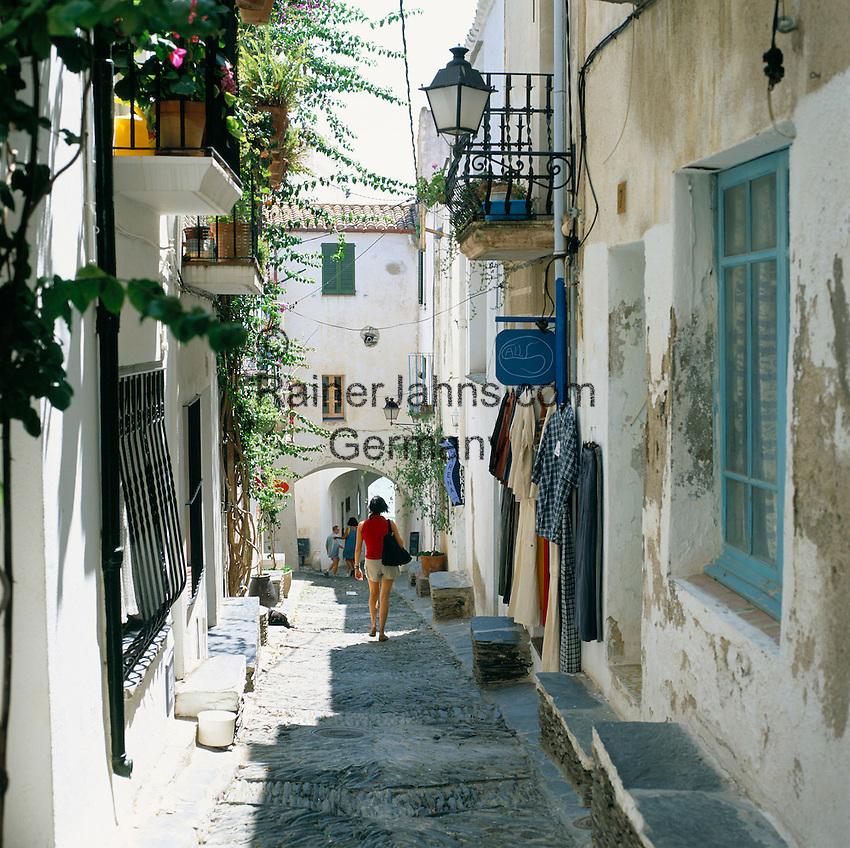 Spain, Catalonia, Costa Brava, Cadaques: old town lane   Spanien, Katalonien, Cadaques: Fischerdorf an der Costa Brava, Gasse