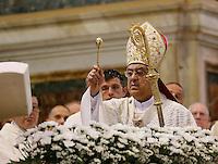 Il Cardinale Crescenzio Sepe celebra messa per il suo decennale i arcivescovato a Napoli