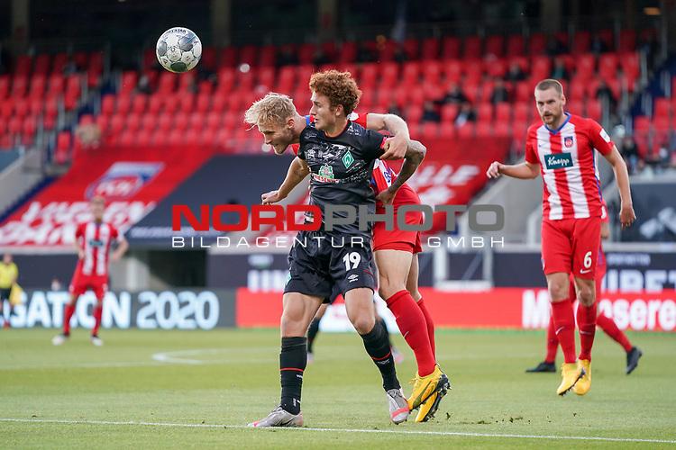 Sebastian Griesbeck (1. FC Heidenheim 1846 #18), Joshua Sargent (Werder Bremen #19)<br /> <br /> <br /> Sport: nphgm001: Fussball: 1. Bundesliga: Saison 19/20: Relegation 02; 1.FC Heidenheim vs SV Werder Bremen - 06.07.2020<br /> <br /> Foto: gumzmedia/nordphoto/POOL <br /> <br /> DFL regulations prohibit any use of photographs as image sequences and/or quasi-video.<br /> EDITORIAL USE ONLY<br /> National and international News-Agencies OUT.