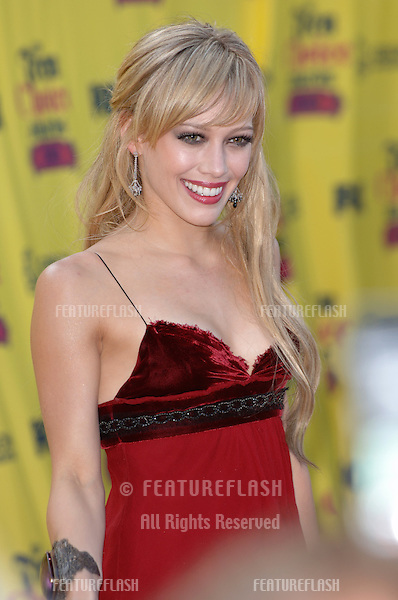 HILARY DUFF at the 2005 Teen Choice Awards at Universal Amphitheatre, Hollywood..August 14, 2005; Los Angeles, CA:  .© Paul Smith / Featureflash
