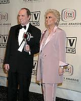 BOB NEWHART.SUZANNE PLESHETTE.3RD ANNUAL TV LAND AWARDS.SANTA MONICA, CA.MARCH 13, 2005.©2005 KATHY HUTCHINS /HUTCHINS PHOTO...