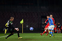 Dries Mertens of Napoli tries to score during the Uefa Champions League 2018/2019 Group C football match betweenSSC Napoli and Crvena Zvezda at San Paolo stadium, Napoli, November, 28, 2018 <br /> Foto Andrea Staccioli / Insidefoto