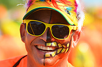 BARRANQUILLA - COLOMBIA, 22-02-2020: Un hombre con maquillaje de fantasía durante el desfile Batalla de Flores del Carnaval de Barranquilla 2019, patrimonio inmaterial de la humanidad, que se lleva a cabo entre el 22 y el 25 de febrero de 2020 en la ciudad de Barranquilla. / A man with a fantasy make up during the Batalla de las Flores as part of the Barranquilla Carnival 2020, intangible heritage of mankind, that be held between March 22 to 25, 2020, at Barranquilla city. Photo: VizzorImage / Alfonso Cervantes / Cont.