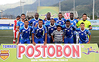 MEDELLÍN -COLOMBIA-17-05-2014. Jugadores de Jaguares FC posan para un foto de grupo previo al partido de ida con Deportivo Rionegro  por cuartos de final del Torneo Postobón I 2014 jugado en el estadioTulio Ospina de la ciudad de Bello./ Players of Jaguares FC pose to a photo group prior the first leg match against Deportivo Rionegro for the quarterfinals of the Postobon Tournament I 2014 played at Tulio Ospina stadium in Bello city. Photo: VizzorImage/Luis Ríos/STR