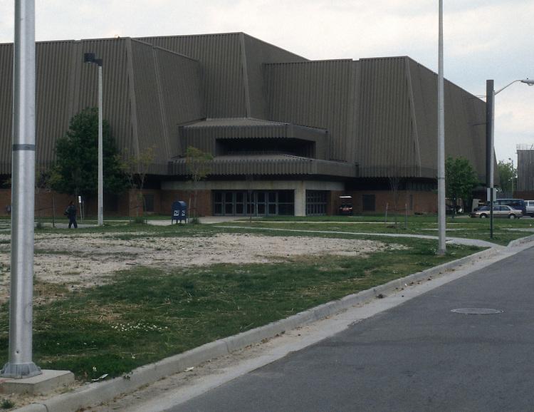 1999 April 20..Redevelopment.Education Center (A-1-4)..NORFOLK STATE UNIVERSITY AREA...NEG#.NRHA#..