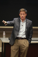 Kevin Watters (MBA '94), CEO of Mortgage Banking, JPMorgan Chase & Co, was a featured speaker Tuesday November 18, 2014 at the Darden School of Business in Charlottesville, Va. Photo/Andrew Shurtleff