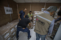 Querétaro, Qro. 15 de mayo de 2018.- Este medio día llegó la lista nominal del electorado que participará en la jornada electoral de Julio. Al cierre hay en total 1,582,953 personas en la lista.